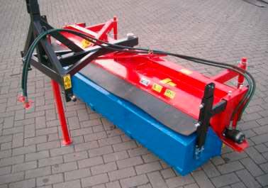 Kehrmaschine für Heck- und Frontanbau